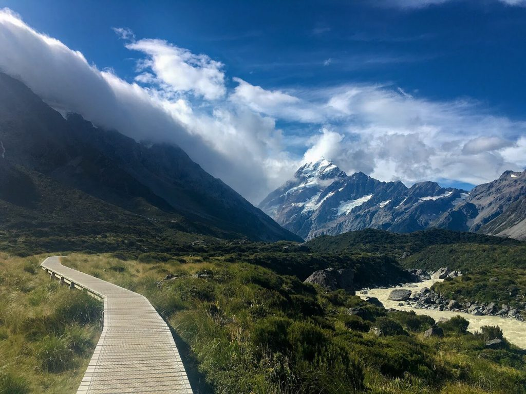 Hiking in New Zealand Hooker Valley Track